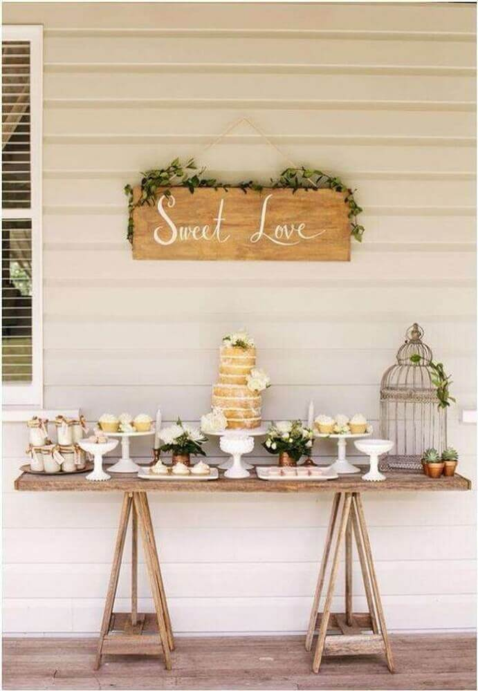 casamento em casa com decoração simples para mesa do bolo Foto Pinterest