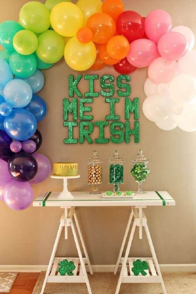 colorful decoration with simple balloons Foto Allegro