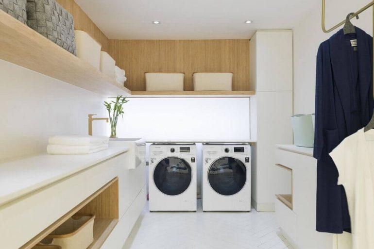 decoração clean para lavanderia planejada em marcenaria Foto CasaCor