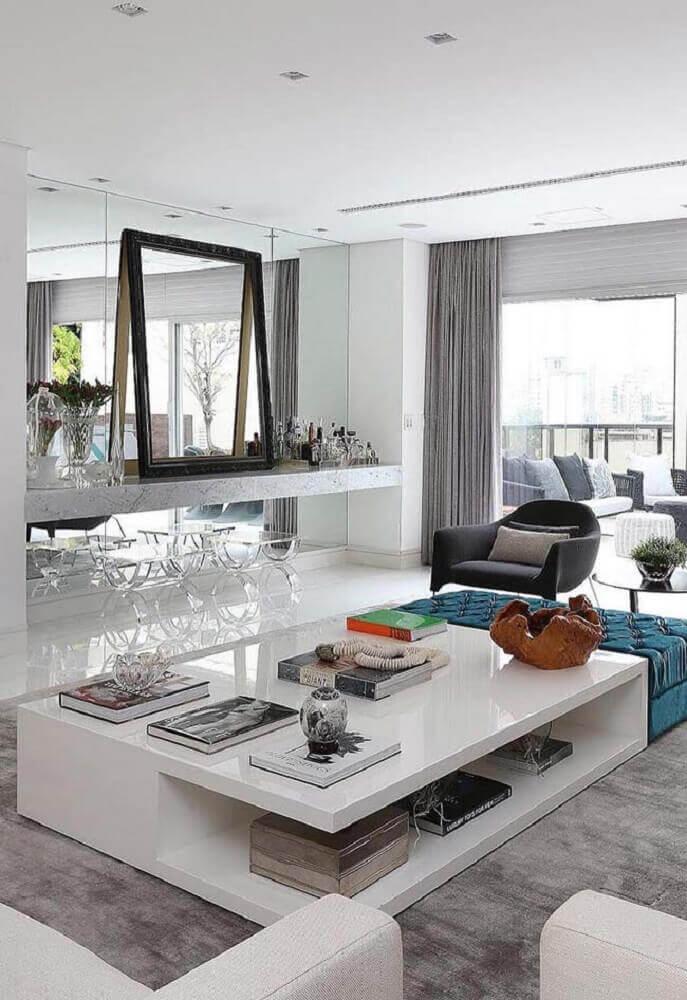 decoração clean para sala de estar com móveis laqueados Foto Pinterest