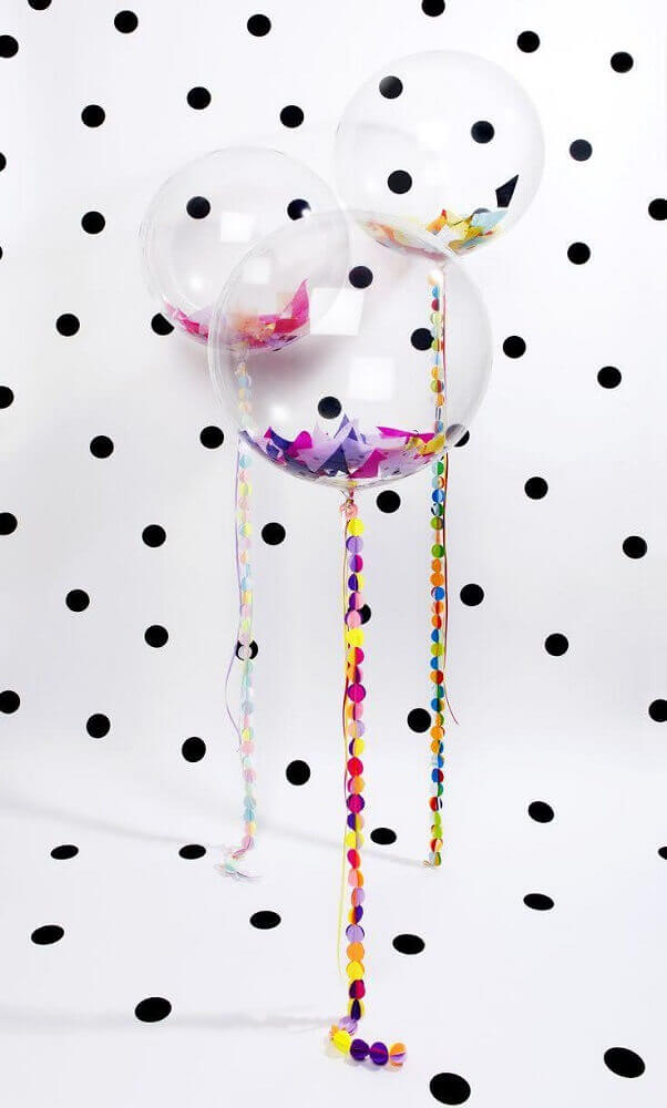 decoration with transparent balloons and colored balls Foto Lucy Loves Ya