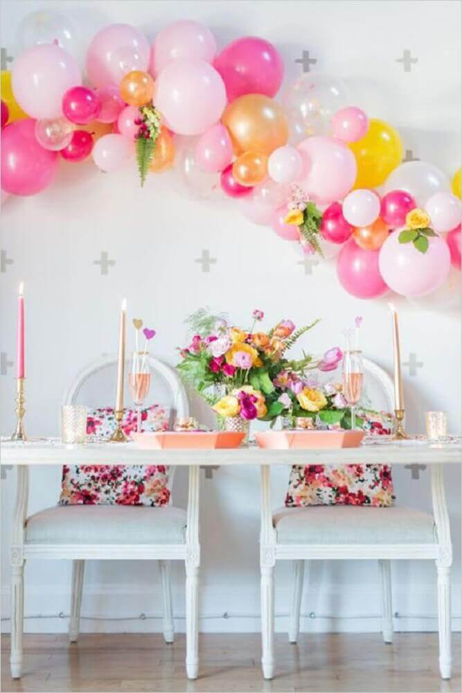 decoration with pink bladders for engagement party Foto Pinterest