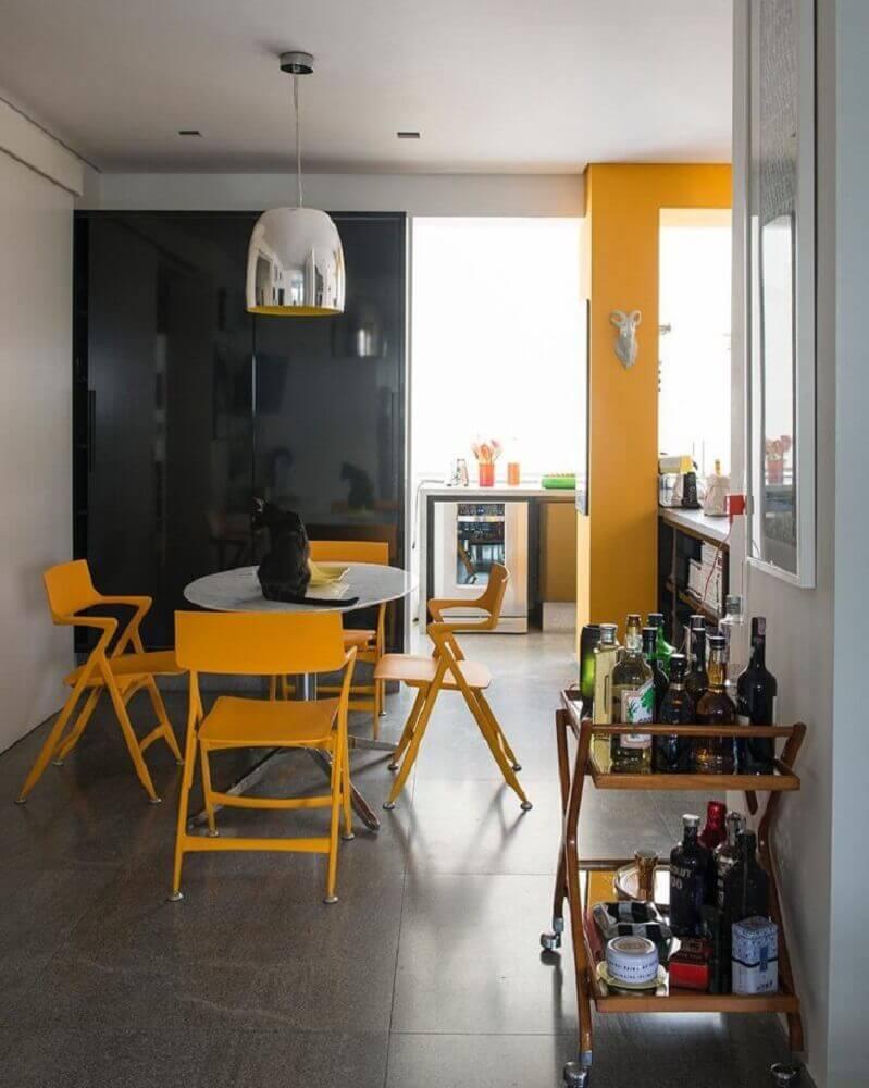 decoração com cadeiras modernas amarelas Foto Antônio Ferreira Junior