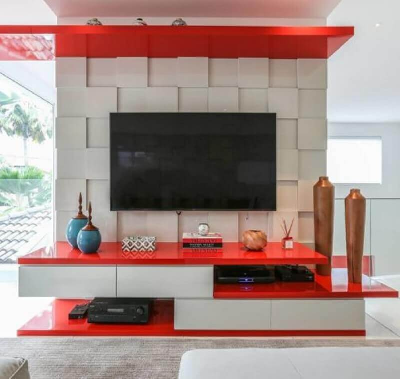 decoração com móveis laqueados para sala de estar com painel 3D Foto Denise Fernandes