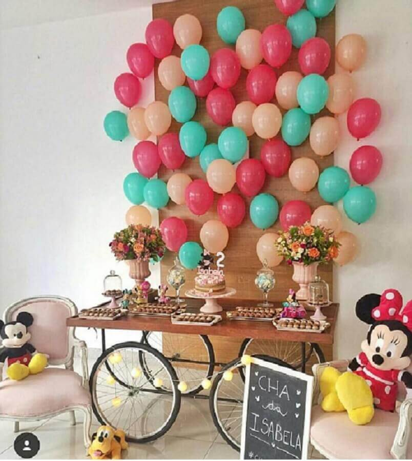 simple children's party decoration with Foto Pinterest balloons