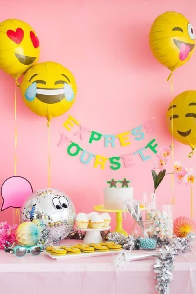 simple children's party decoration with emoji balloons Photo Oh Happy Day!