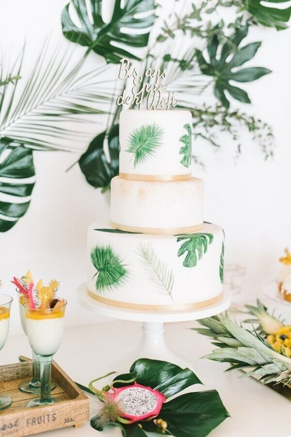 tropical party decoration with foliage for wedding table Foto Pinterest