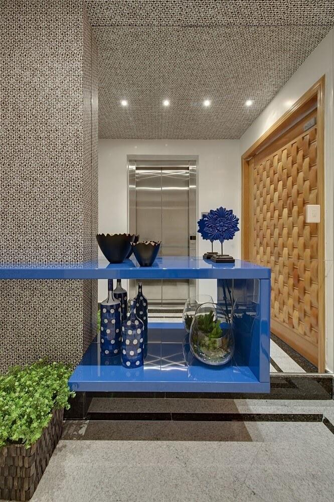 decoração hall de entrada com móveis laqueados Foto Marcia Debski Ferreira