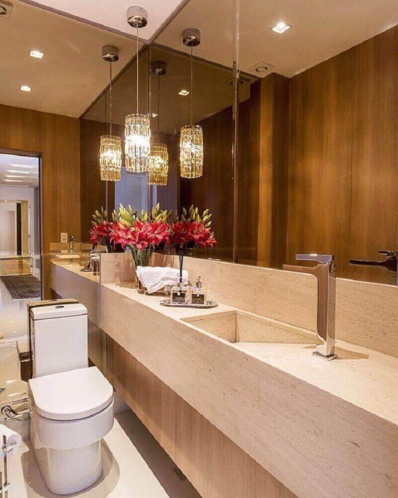 decoração lavabo sofisticado com bancada de mármore e espelho de bronze Foto Carolina Kist
