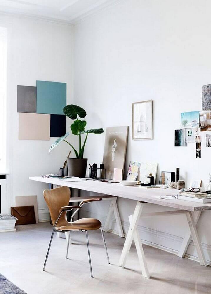 decoração minimalista com cadeira moderna para escritório Foto Possible Decor