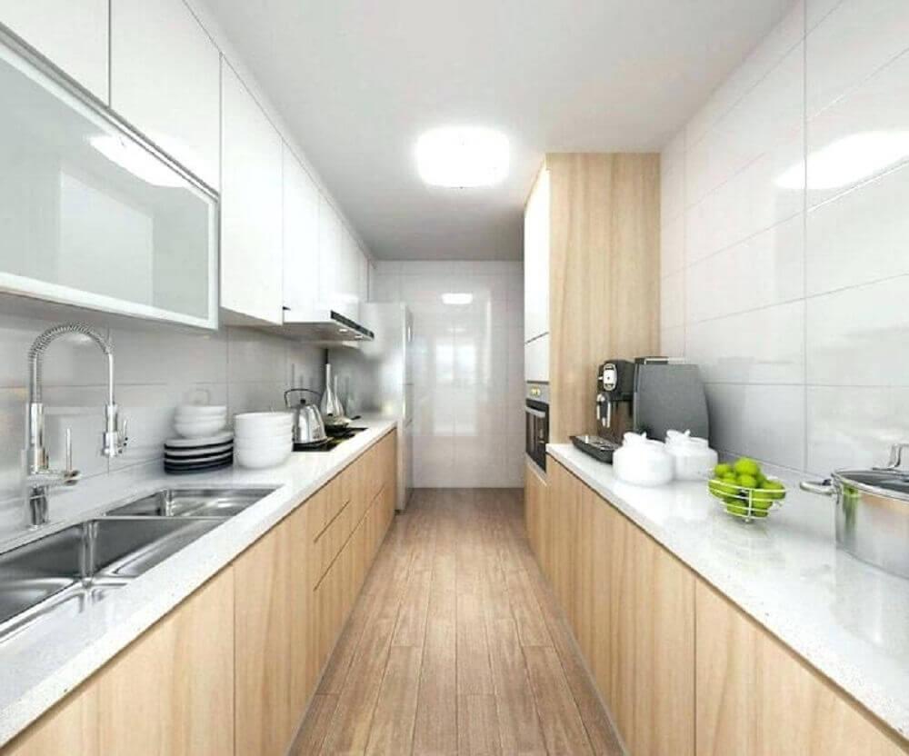 decoração neutra com armário de cozinha compacta de madeira e bancada branca Foto Cuisine