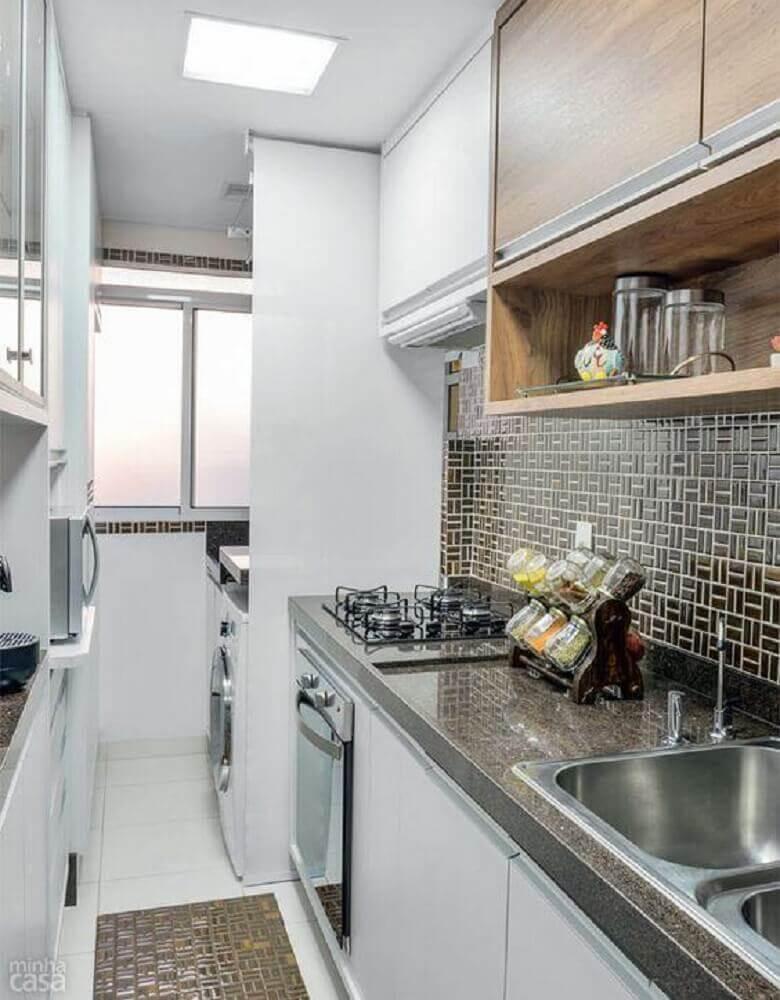 decoração para cozinha corredor integrada com lavanderia pequena Foto Ivango