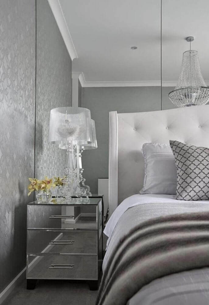 decoração para quarto cinza com criado mudo espelhado Foto Home Decoo