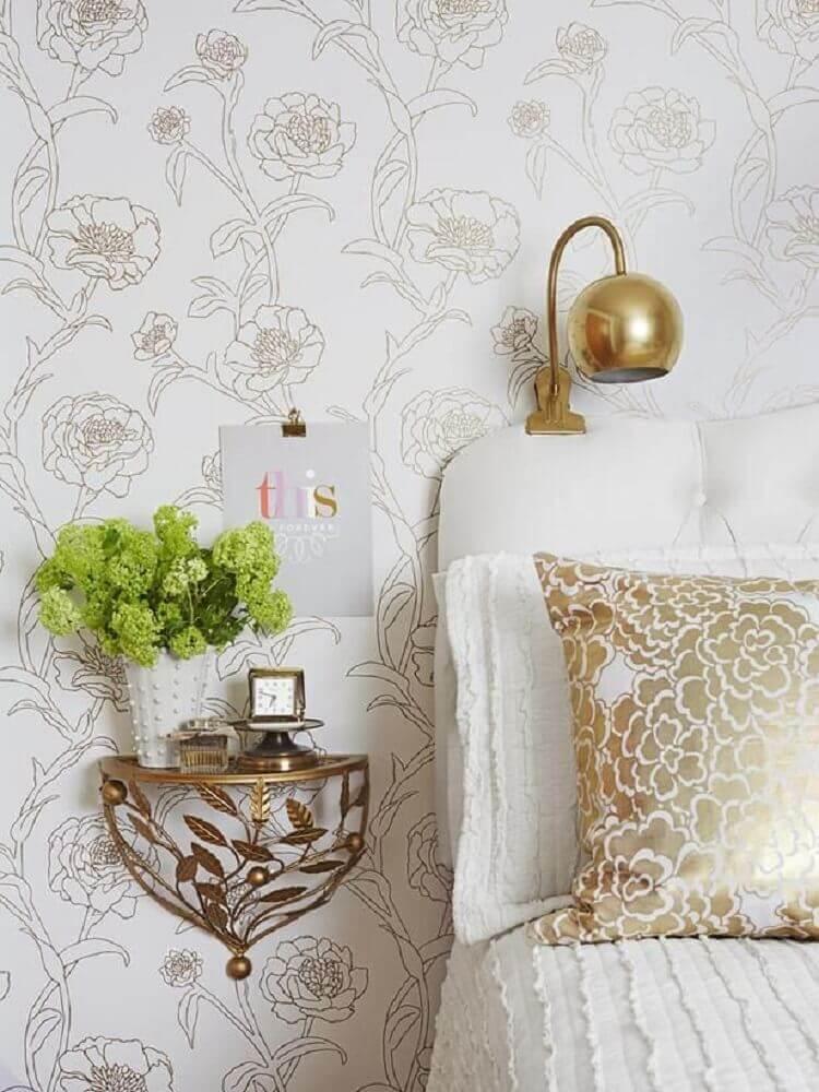 decoração para quarto com pequeno criado mudo suspenso Foto Happy Modern