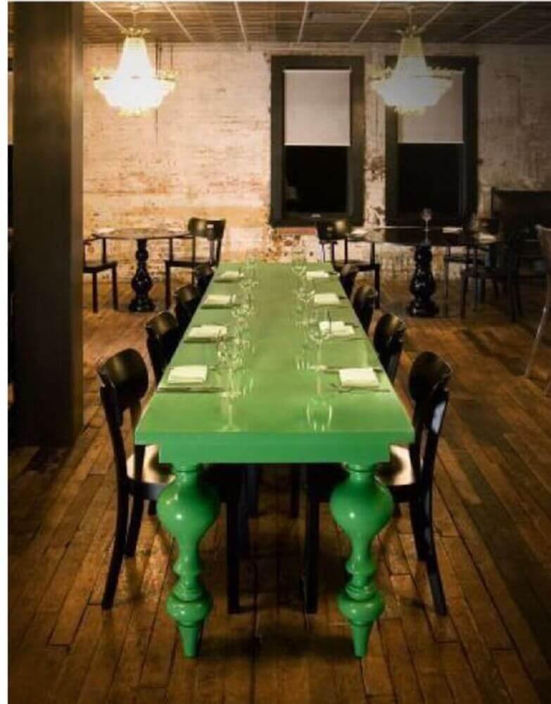 decoração rústica com mesa verde laqueada Foto Pinterest