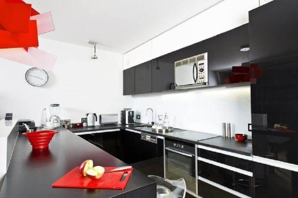 decoração simples para cozinha corredor com armários preto Foto Concept Cuisines