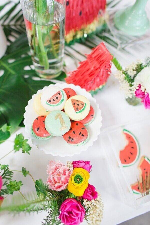 doces decorados para festa tropical simples Foto Pinterest