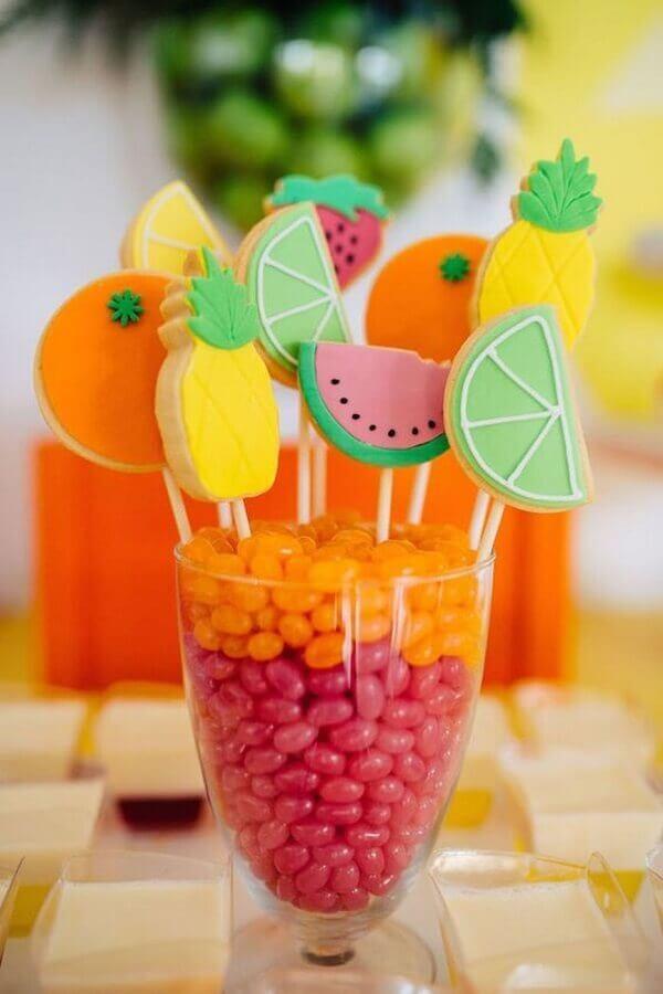 doces em formatos de frutas para festa tropical Foto Pinterest