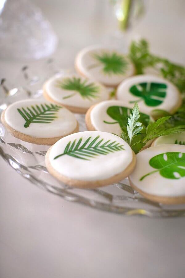 leaf print for candy decoration at tropical wedding party Foto Pinterest