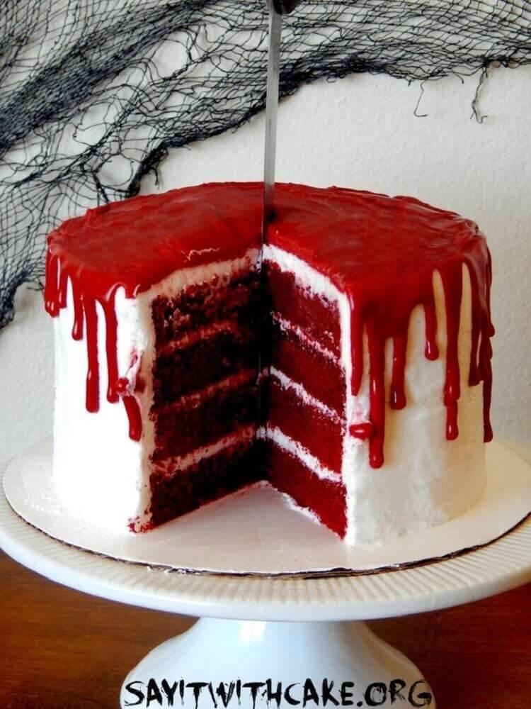 festa de halloween com bolo red velvet Foto Caves Girls