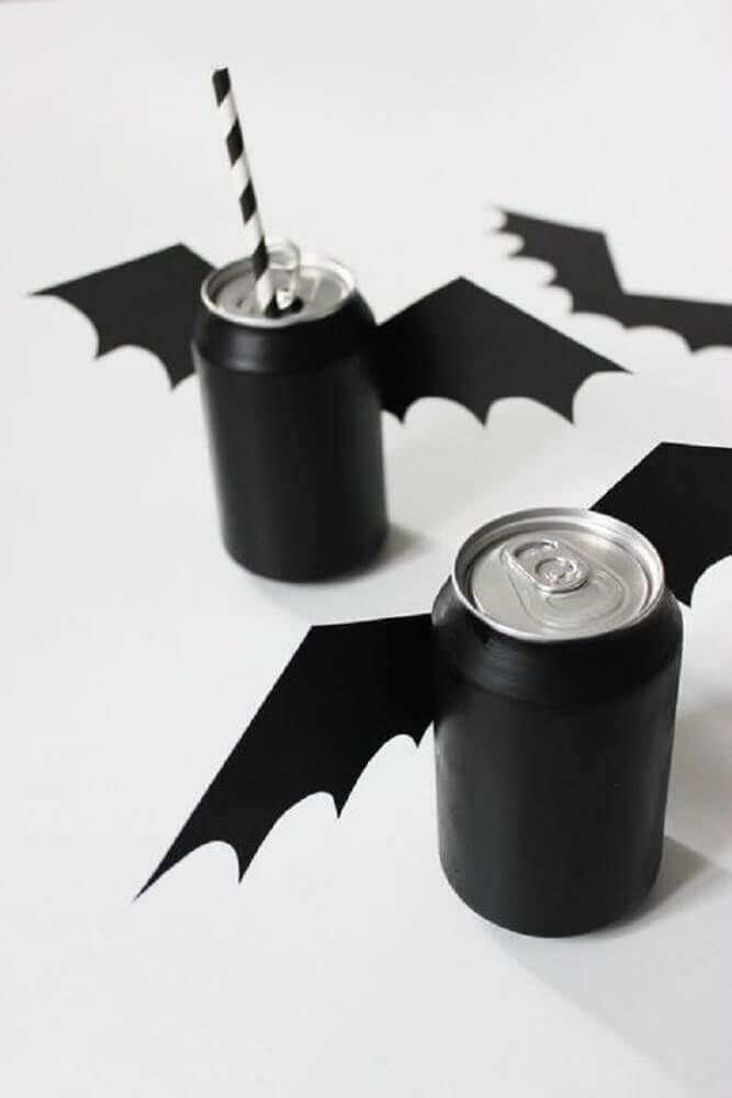 festa de halloween com latinhas de refrigerante personalizada Foto Pinterest
