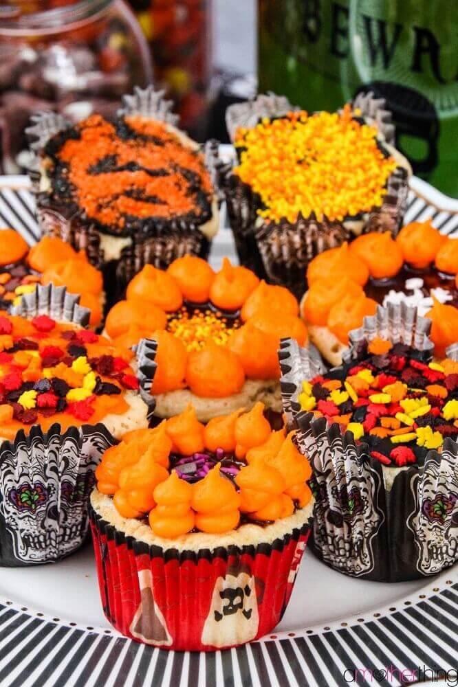 festa de Halloween decorada com caveiras mexicana Foto Amother Thing
