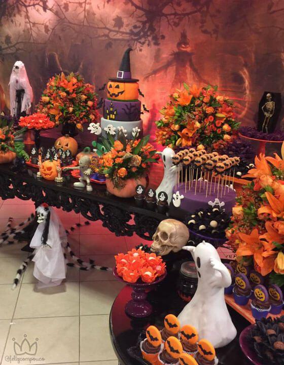 Festa halloween com decoração moderna