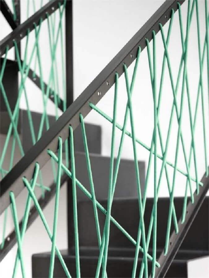 guarda corpo com fios de linha verde água Foto Archilovers