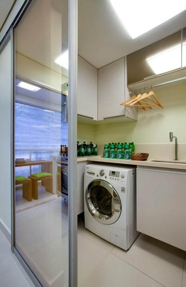 lavanderia pequena com porta de correr Foto Lucia Stuhlberger Wjuniski
