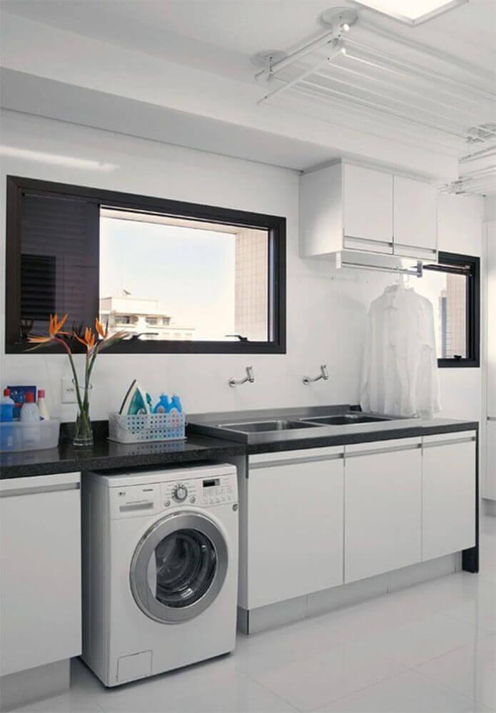 lavanderia planejada com bancada de granito Foto Pinterest