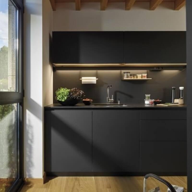 móveis laqueados fosco para cozinha preta moderna Foto Studio HL