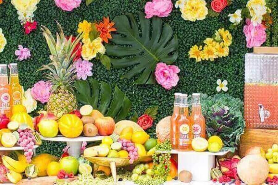 mesa de frutas decorada para festa tropical Foto 4K Pictures