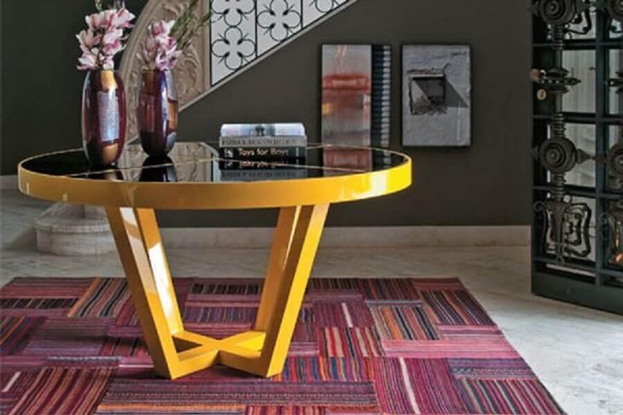 mesa redonda laqueada amarela Foto Pinterest