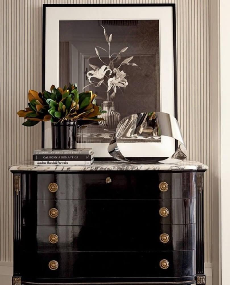 modelo de cômoda antiga laqueada preta Foto Pinterest