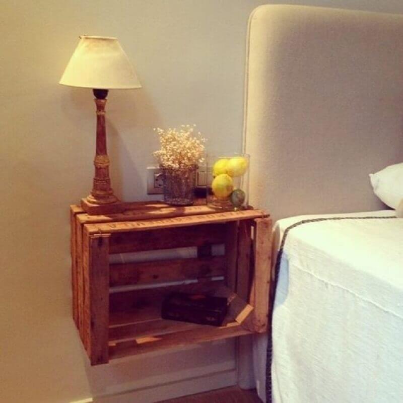 modelo de criado mudo de caixote preso a parede Foto Pinterest