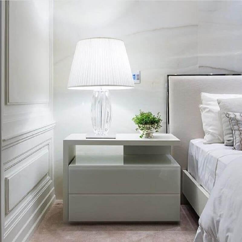 modelo de criado mudo para quarto de casal com decoração clean Foto Pinterest