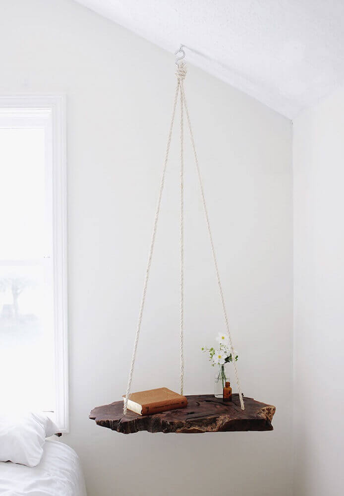 modelo de criado mudo suspenso por cordas Foto Lantliv