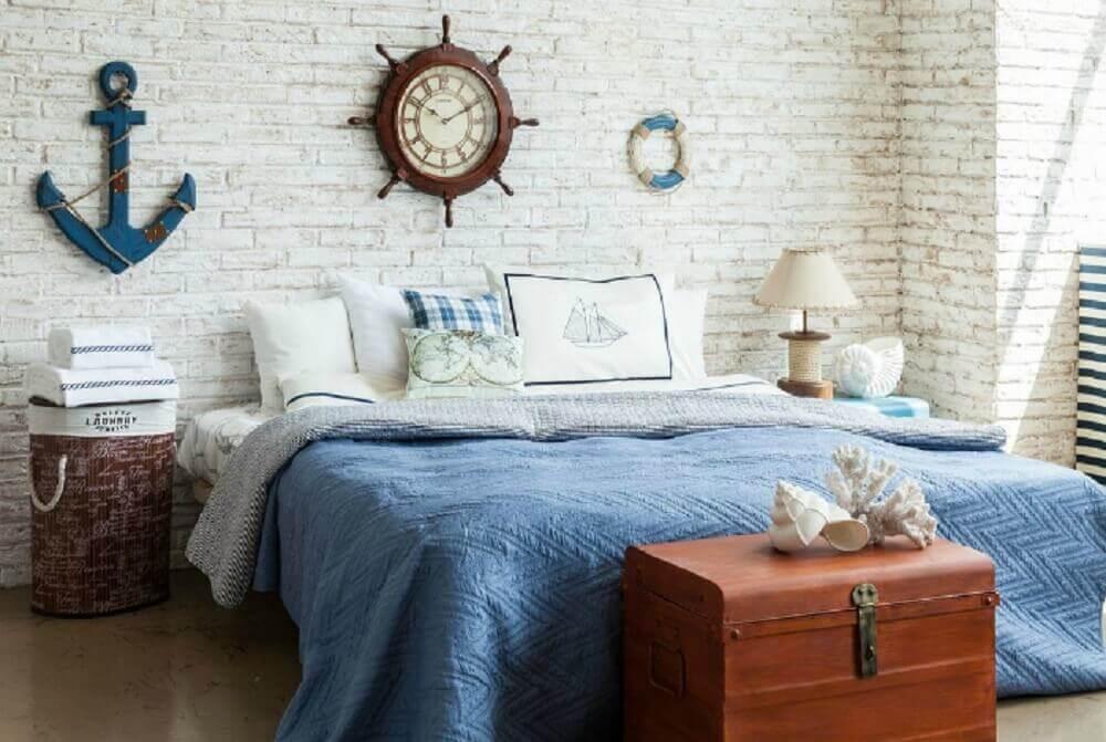 modelo diferente de criado mudo para quarto de casal com decoração navy Foto Novate.Ru