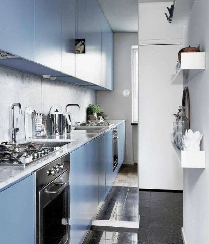 modelo planejado de armário de cozinha com balcão azul Foto Dream Catcher