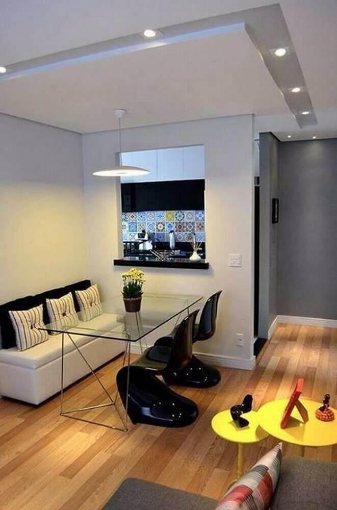 modelos de cadeiras para sala de jantar modernas e pequenas com mesa de vidro Foto NaiBann