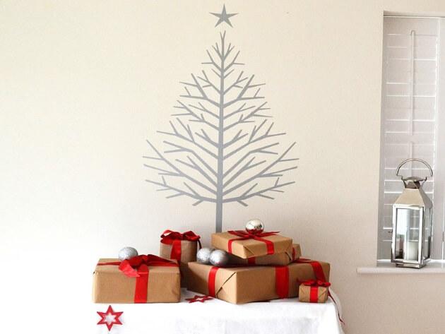 Árvore de natal artesanal com adesivo na parede Foto de TLife