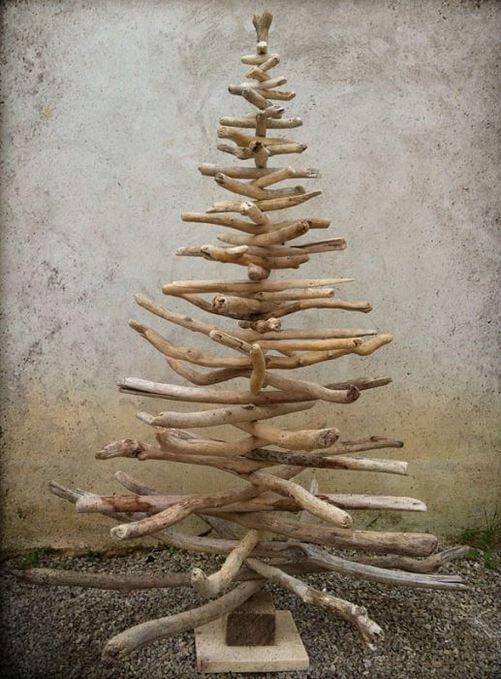 Árvore de natal artesanal com galhos Foto de Zululand Observer