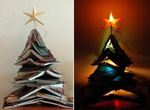 Árvore de natal artesanal com livros Foto de Hun