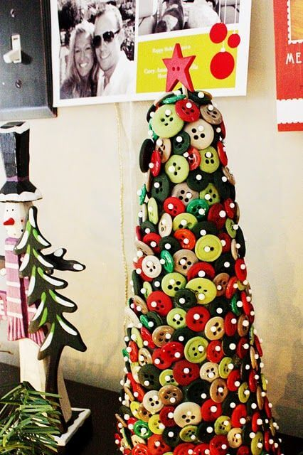 Árvore de natal artesanal de botões Foto de Pinterest