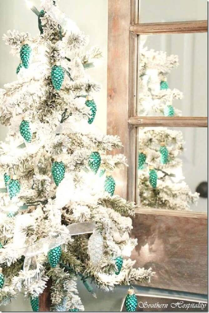 white and green Christmas tree Photo Vybes