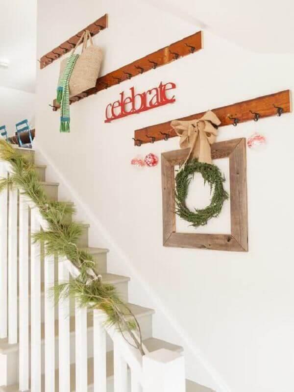 Decoração de natal simples e barata em escada