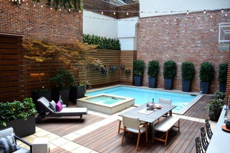 A piscina pequena de canto é ideal para áreas externas compactas