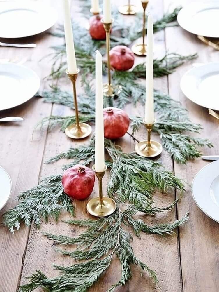 Arranjos de Natal para decoração de mesa natalina rústica Foto Natasha's Way