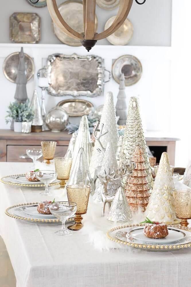 Arranjos de Natal para decoração moderna em tons de prata branco e rose Foto Polskie Szafiarki