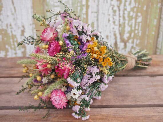 Buquê de flores do campo coloridas Foto de Pinterest